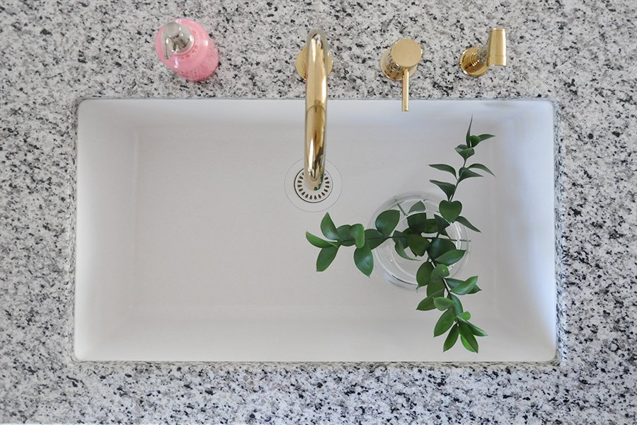 Making the Case for White, Undermount Kitchen Sinks