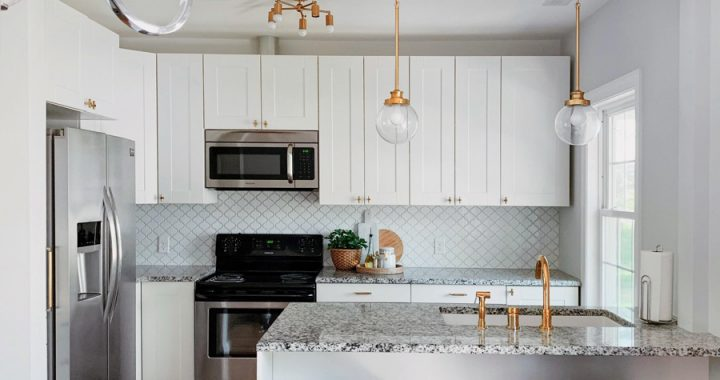 Roundup: My Favorite Affordable Brass Pendant Lights